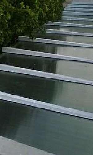 Cobertura de alumínio e vidro