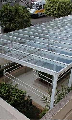 cobertura em alumínio e vidro
