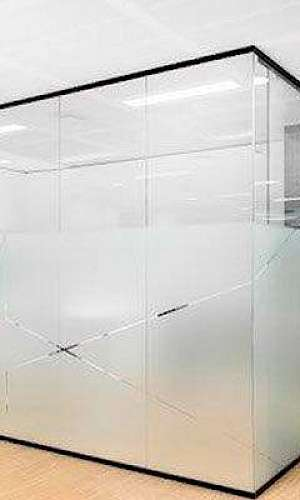 Divisória de ambiente de vidro