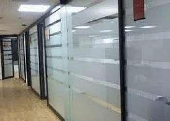 Divisória de vidro para área de serviço