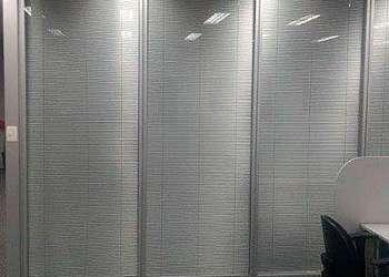 Divisória vidro duplo com persianas SP