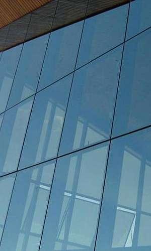 Pele de vidro metro quadrado