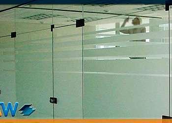 Divisória de vidro para cozinha