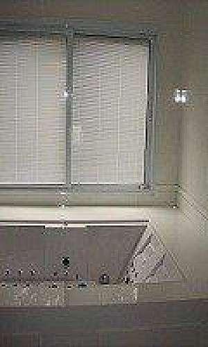 Portas e janelas com persianas integradas